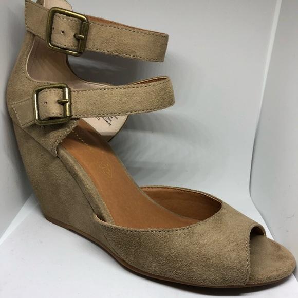 3c22a0bc45fe3 BC Footwear Shoes | Born In California Wedges | Poshmark